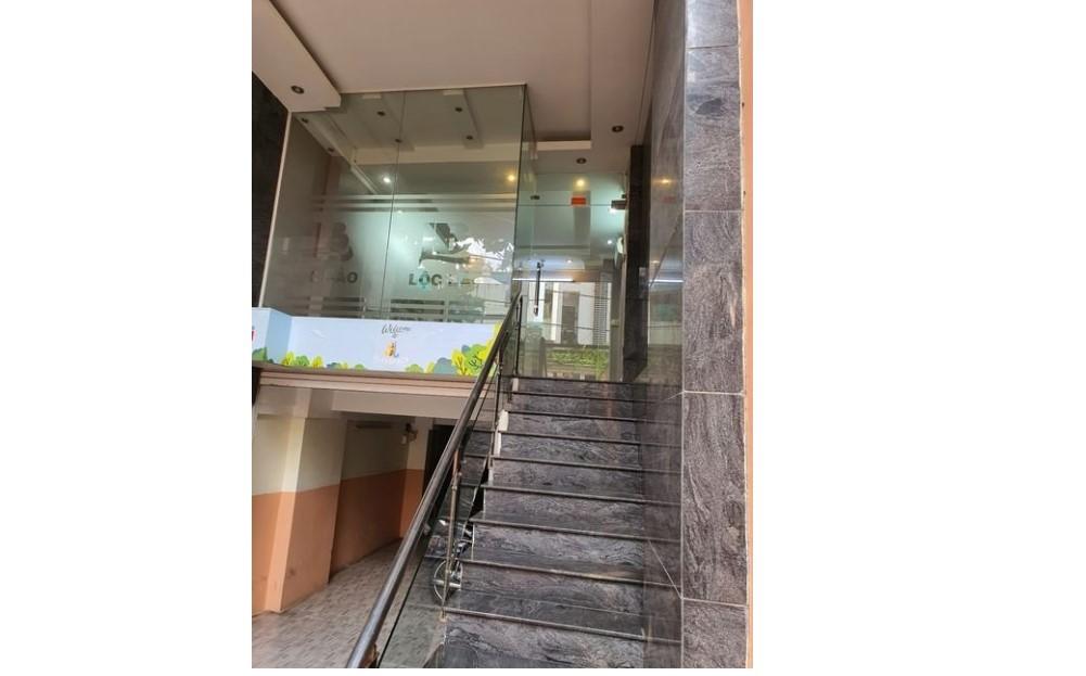 Văn phòng cho thuê tại 99 Huỳnh Tịnh Của, P.8, Q.3, tphcm