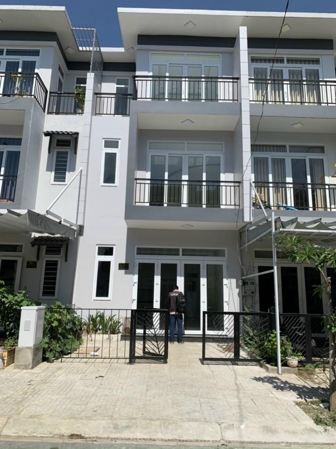 Cho thuê nhà mặt phố trong khu Phúc An City