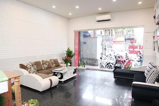 Cho thuê nhà nguyên căn đoạn kinh doanh ĐẸP nhất Lê Hồng Phong, gần Kỳ Hòa Q.10 DT 5,2x12M