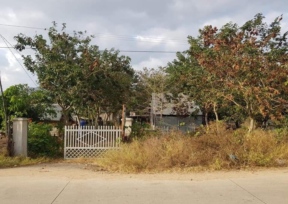Cần bán gấp nhà trên lô đất hơn 1,000m2 tại H. KrôngPa, Tỉnh Gia Lai