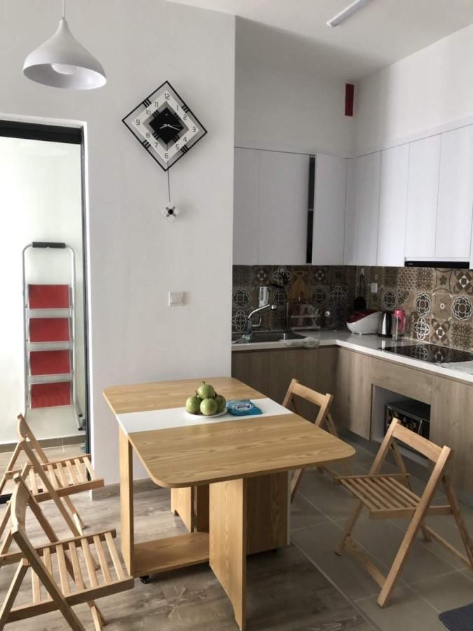 Cho thuê căn hộ chung cư Lake 2 46m2 khu đô thị Ecopark giá 6tr liên hệ 0983551***