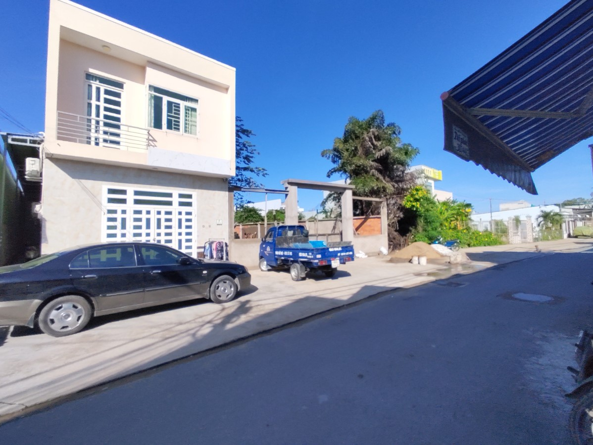 Cho thuê căn mặt tiền 1 trệt 1 lầu (1 phòng ngủ) hẻm 278 Tầm Vu có thể kinh doanh.