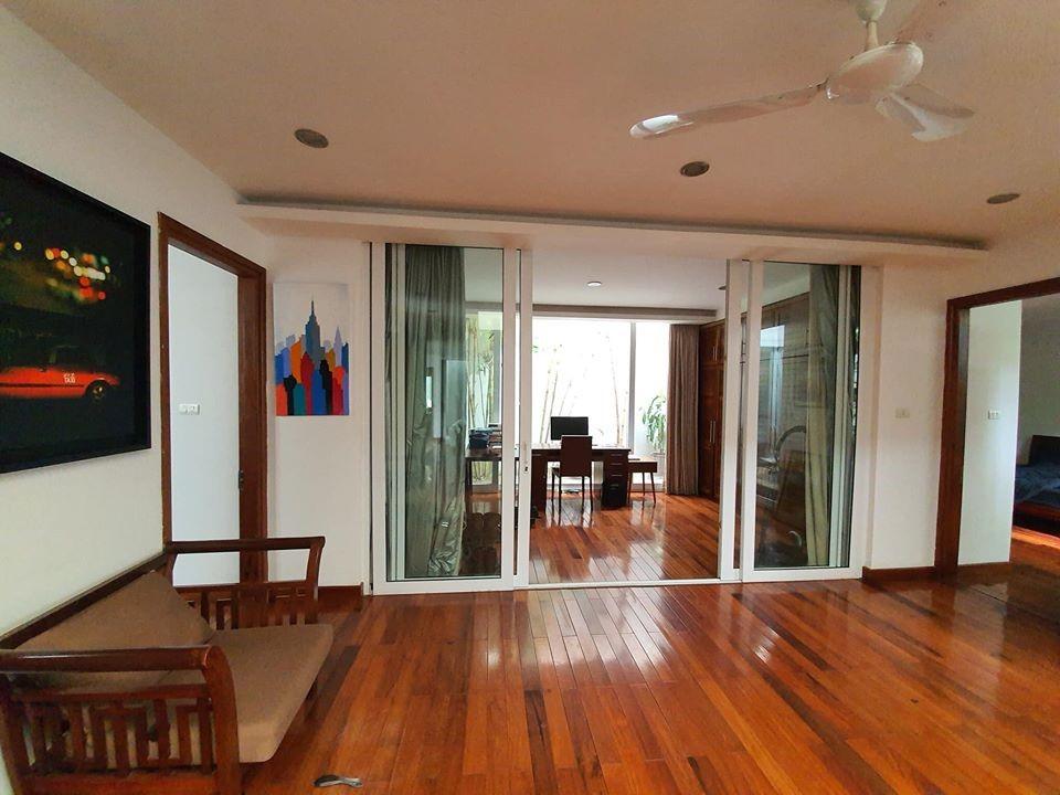 Bán nhà phố Kim Ngưu, dt 45m, 4 tầng, mt 4m, giá 4.3 tỷ.