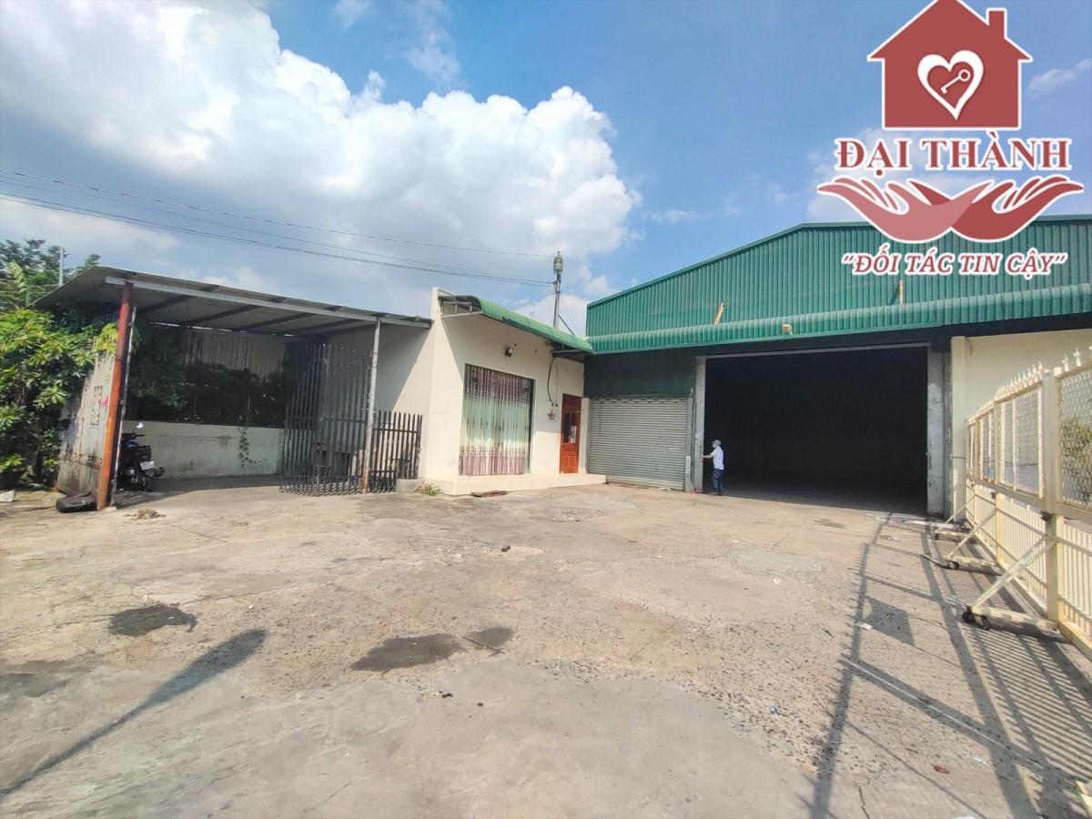 Cho thuê xưởng 1000m2 góc 2 mặt tiền gần ngã tư Quang Thắng. Chỉ 35tr