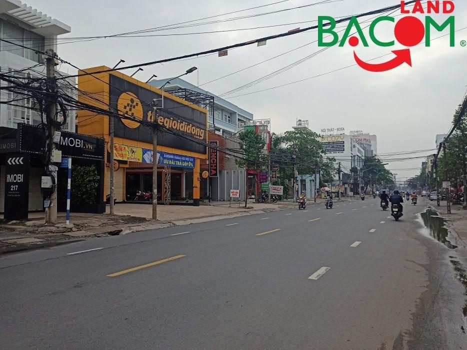 Đất Tân Tiến đường xe hơi chạy vi vu, cách Phạm Văn Thuận 100m, gần công an tỉnh