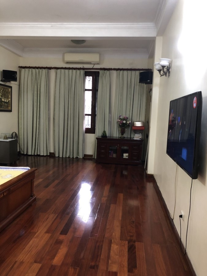 Cần cho thuê nhà 4 tầng tại Trần Duy Hưng, Trung Hòa, Cầu Giấy, HN, giá tốt