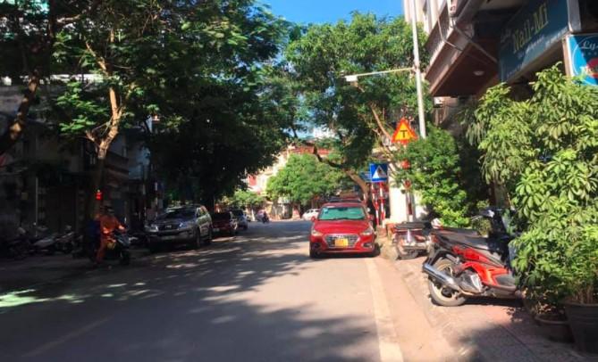 Bán đất phố Hoàng Như Tiếp 60m2, mặt tiền 4m, an sinh đỉnh, 5,65 tỷ