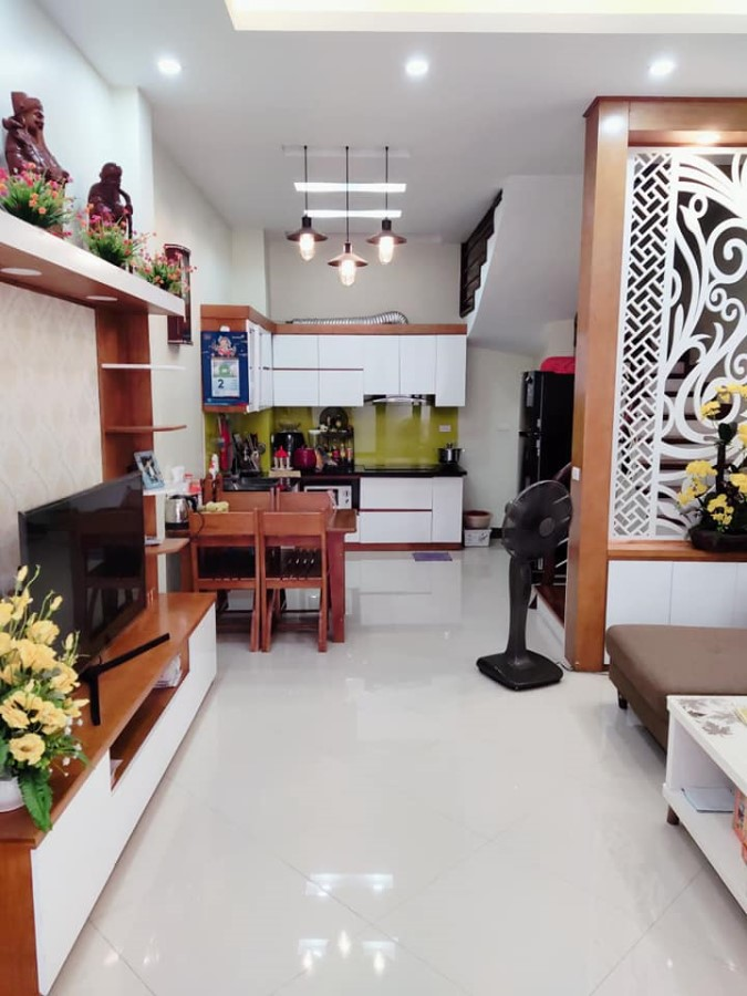 BÁN NHÀ ĐẸP 5T ngõ SH QUAY ĐẦU phố Hào Nam 38m2x4,3m, NỘI THẤT XỊN SÒ, giá 6 tỷ-0947161359