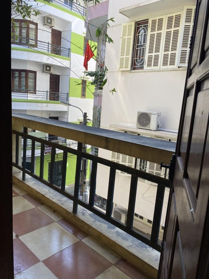 Cho thuê nhà làm văn phòng, 3 tầng, 1 tum, diện tích 1 sàn 60m2, Số 36 ngõ 102 Đường Khuất Duy