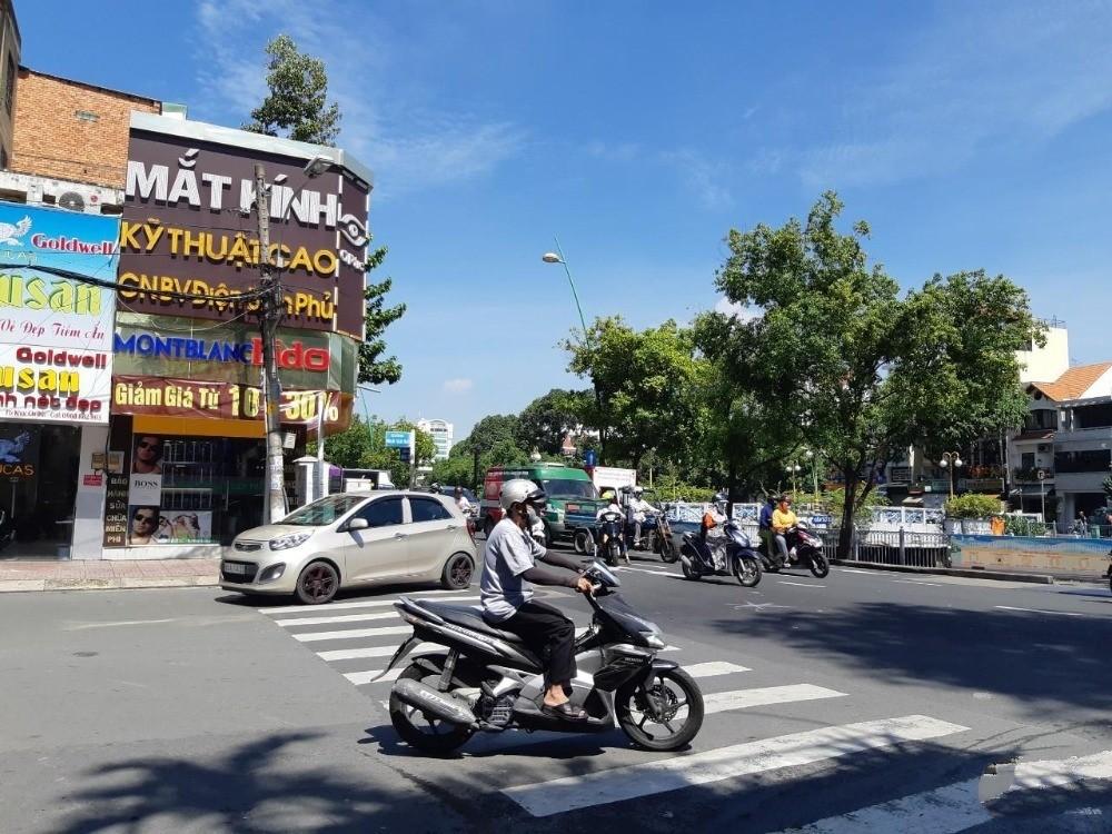 Cần bán gấp nhà MT Khu Vip Bậc Nhất đường Lưu Nhân Chú, Quận Tân Bình.