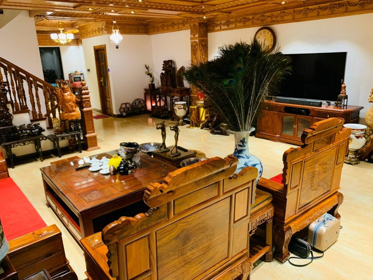Giữa phố Thanh Xuân 6 tầng 110m2, tặng toàn bộ nội thật gỗ quý, view hồ, ô tô đỗ cạnh nhà ngày đêm,