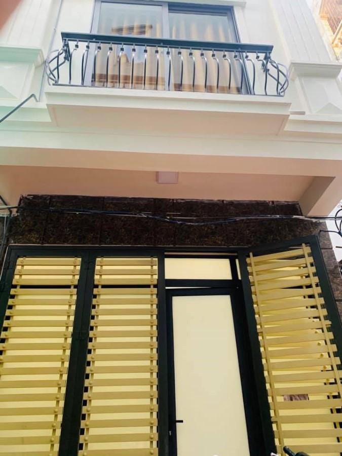 Gia đình bán gấp nhà ngõ 564 Nguyễn Văn Cừ, Long Biên, Hà Nội.