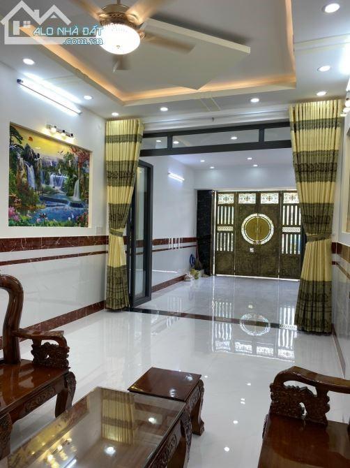 Nhà mặt tiền 5 lầu mới, Lý Thường Kiệt, 63m2, kinh doanh đa ngành, 13.8 tỷ.