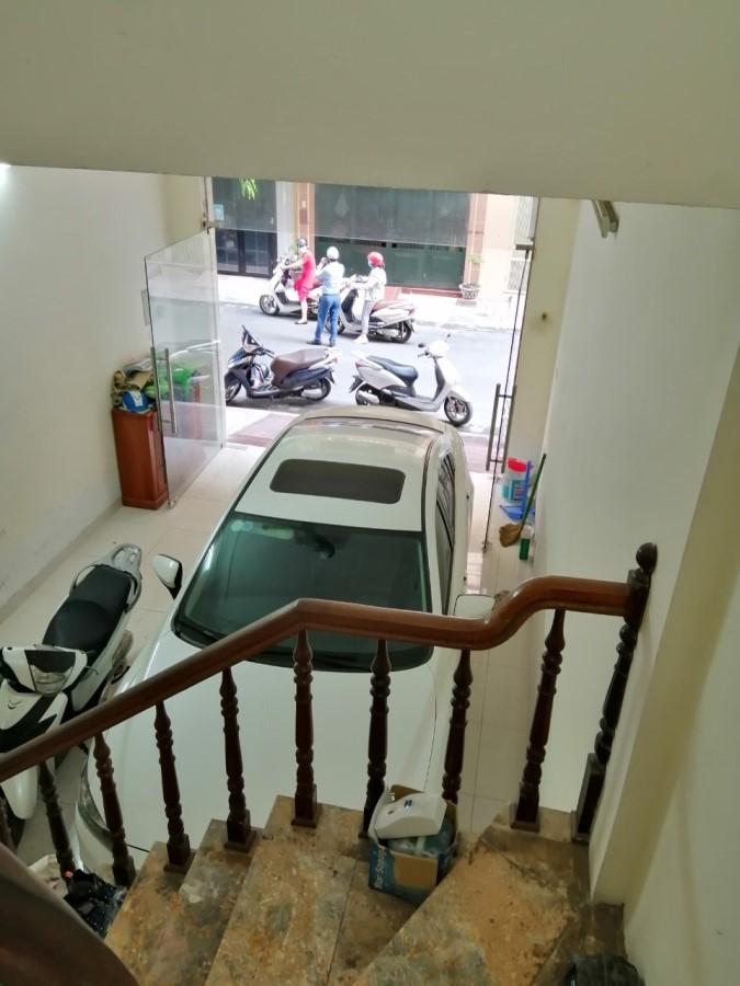 Bán nhà phân lô phố Khuất Duy Tiến – Thanh Xuân 70m x 5 tầng x 4,5m mặt tiền, 10ty