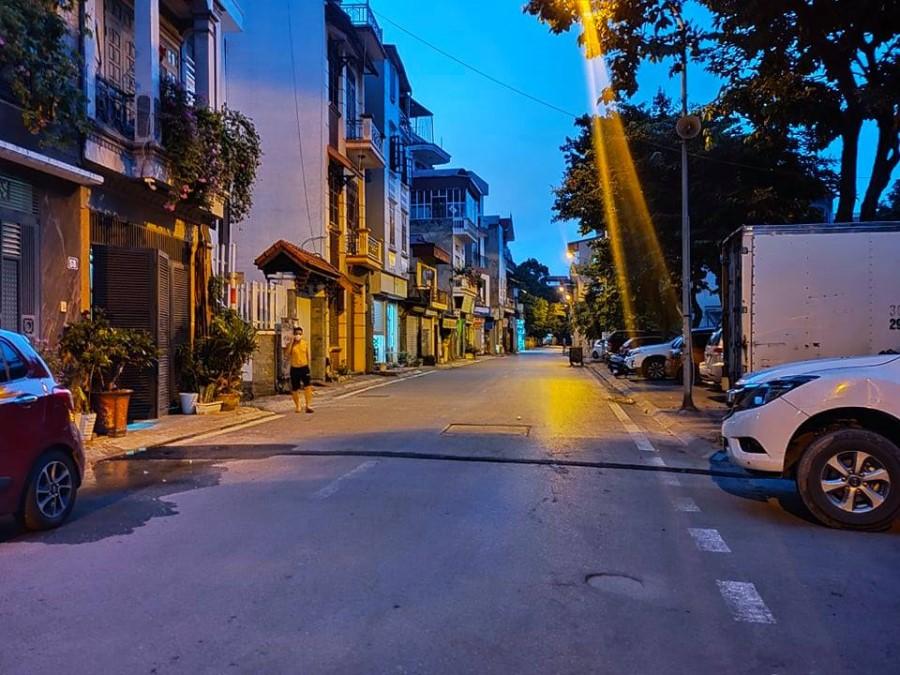 Gia đình bán gấp nhà ngõ 640 Nguyễn Văn Cừ, Long Biên, Hà Nội.