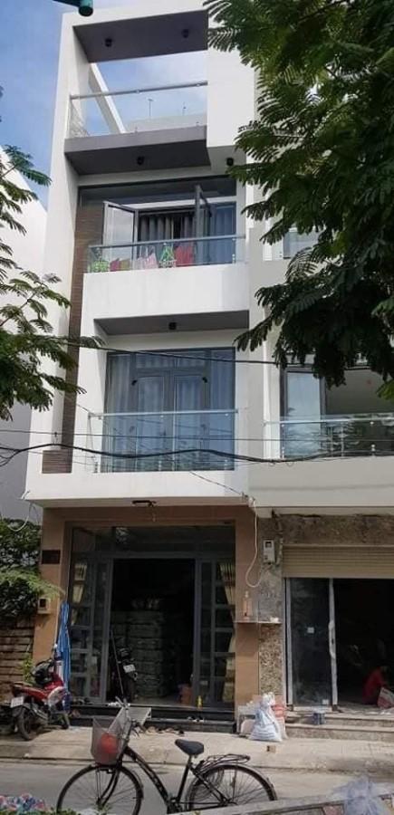 Nhà hai mặt tiền,68m2,4 tầng đúc,Kênh Tân Hóa-Tân Phú,giá chỉ 9.6 tỷ