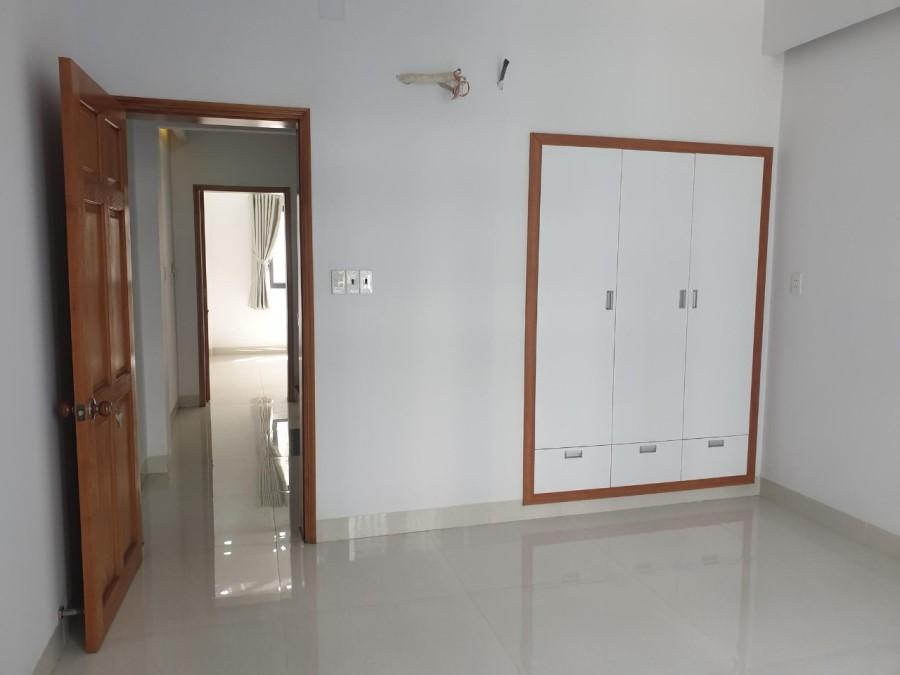 Bán Nhà HXH, Gò Vấp, DT Khủng, 5 Tầng, Tiện Kinh Doanh.