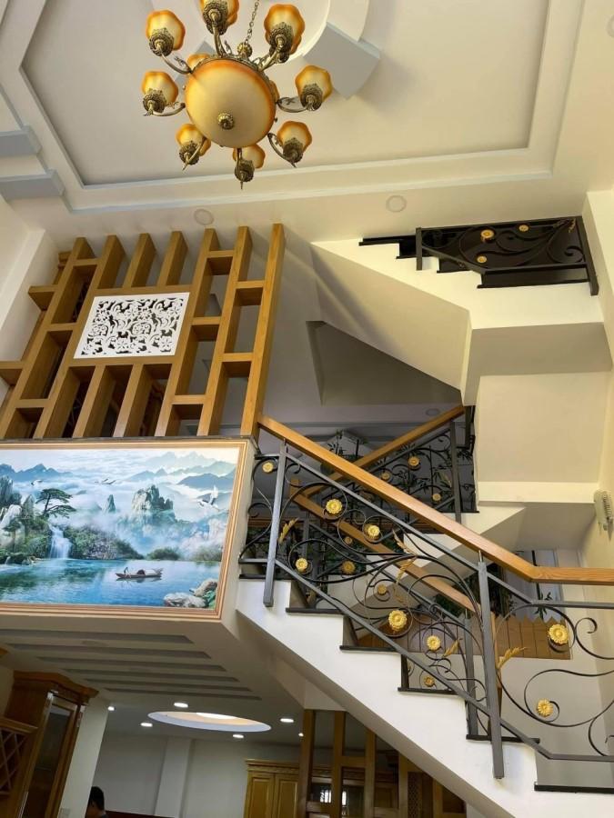 Bán nhà Gò Vấp, 5 Tầng, 72m2, Hẻm 7m, Đủ Tiện Nghi, Giá Cực Đẹp.
