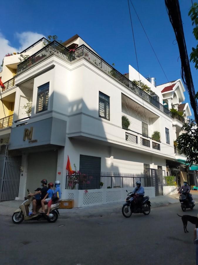 Bán nhà 2MT Khu Vip quận Tân Bình Thiết kế để Ở và kinh doanh, 3 tầng,  Bề Ngang 5m.