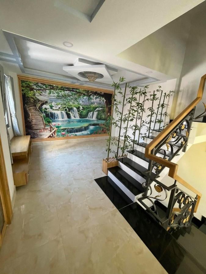 Bán nhà Gò Vấp, Hẻm Xe Tải, 5 Tầng, 75m2, Giá Giảm 200 Triệu.