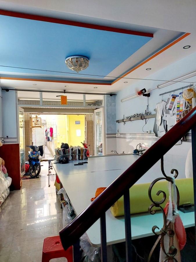 Nhà bán gấp Kênh Tân Hóa, Tân Phú 66m2 giá chỉ 5.3 tỷ