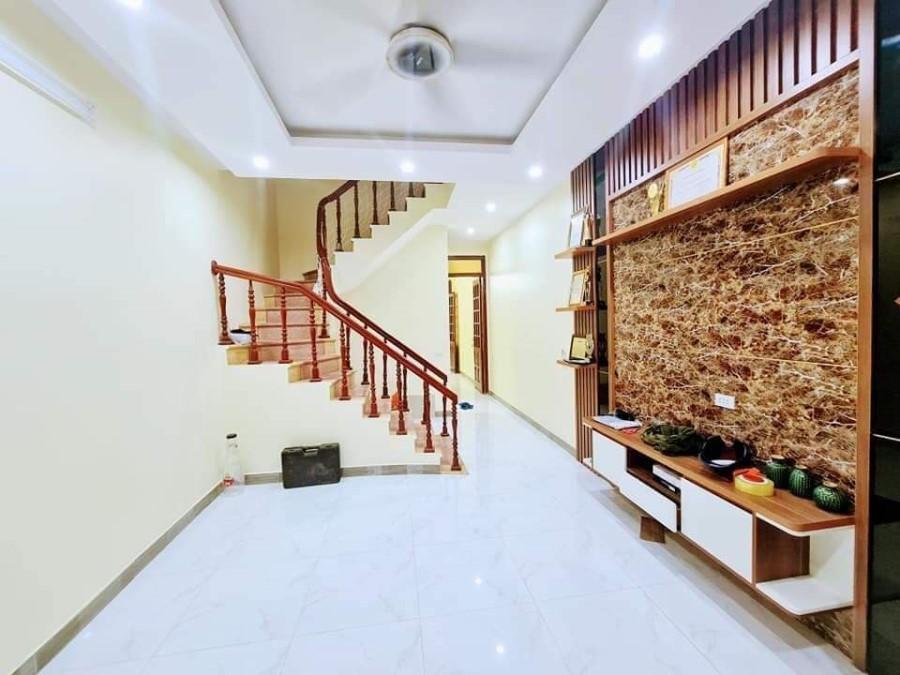Bán nhà cực hiếm 5 Tầng, 38 M2, phố Trương Định, quận Hoàng Mai. Liên Hệ 0977440990