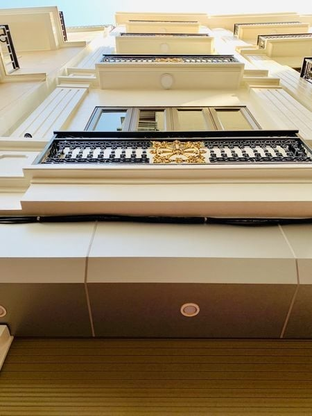 NHÀ PHÂN LÔ 33m2*5T phố Hoàng Mai – LH 0977440990 nhà mới ở ngay. Full  Nội Thất.