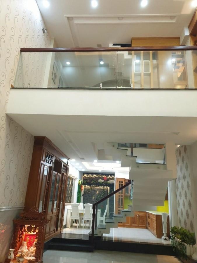 Nhà Gò Vấp HXH, 5 Tầng, 75m2, Khu Phân Lô, Giá Siêu Rẻ.
