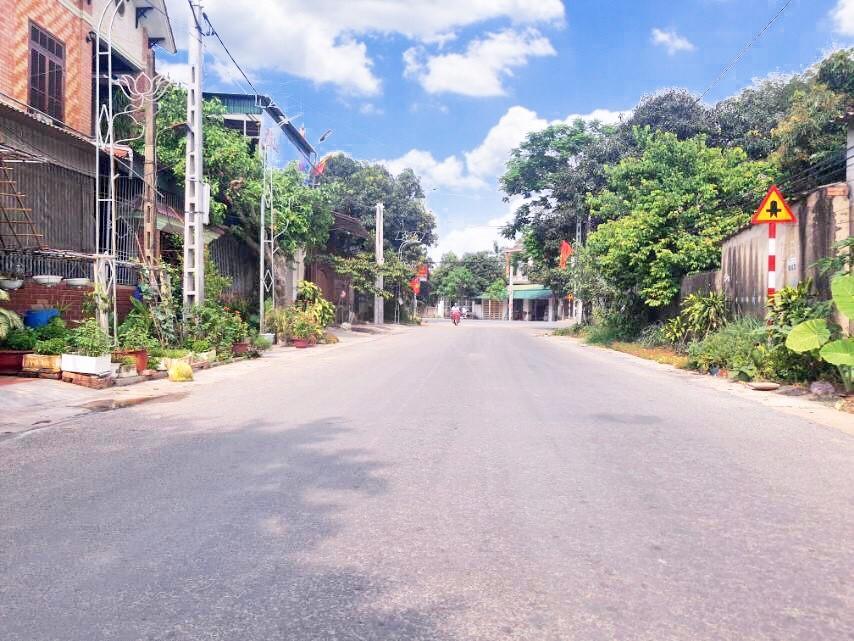 E cần bán lô đất Nghi Ân- bám mặt đường liên xã nối: Nghi Ân- Nghi Phong- Nghi Xuân