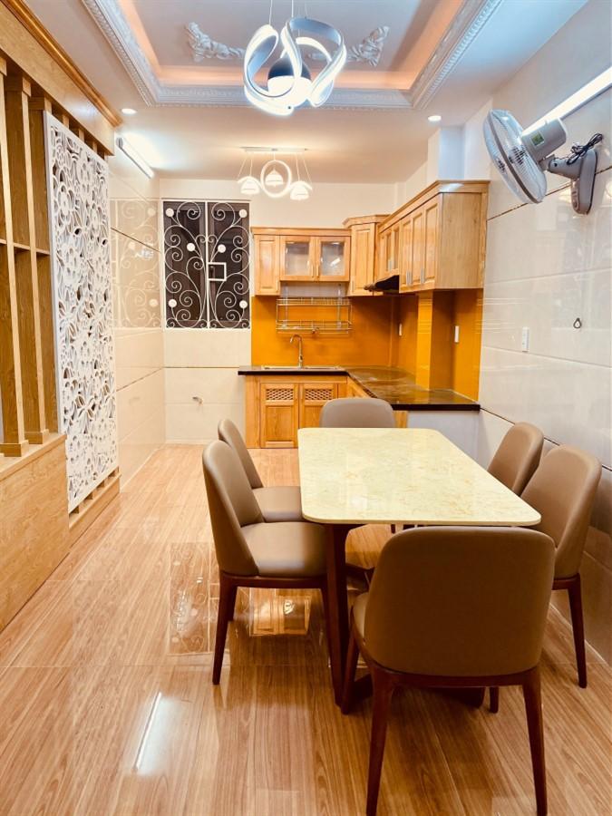 Bán nhà ngõ Tạ Quang Bửu, Hai Bà Trưng, 42m, 5 tầng, TẶNG NỘI THẤT XỊN SÒ.