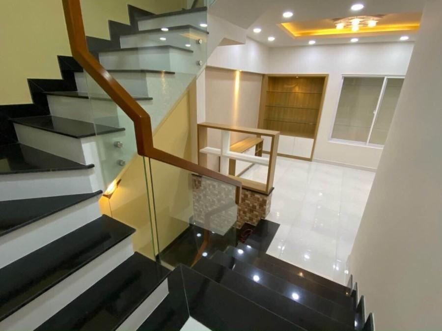 Bán Gấp nhà 4 Tầng, Ngang 6.3m HXH 3/2 Q10, Bán thấp hơn Bank định giá