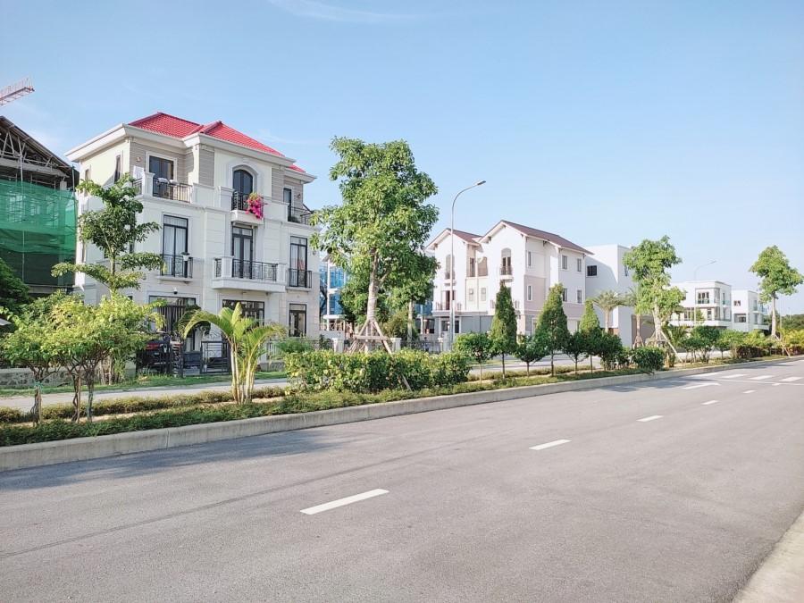 Biệt thự Xanh giữa lòng Vsip giáp Ninh Hiệp, cách Trung tâm Hà Nội 12km