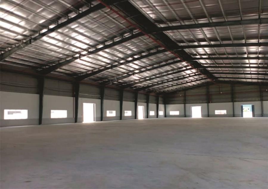 Bán nhà xưởng mới XD 40000mx200MT mặt đường DT379 Hưng Yên.