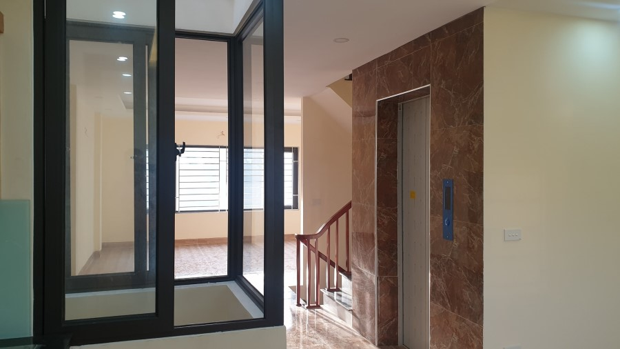 Bán nhà liền kề KĐT Đại Thanh – Thanh Trì 61m x 7 tầng x 5m mặt tiền, vỉa hè rộng, 6ty