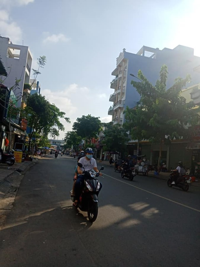 Cho thuê nhà 2 Mặt tiền kinh doanh 4 tầng khu Vip Tân Sơn Nhì, Q Tân Phú ( 270m2)