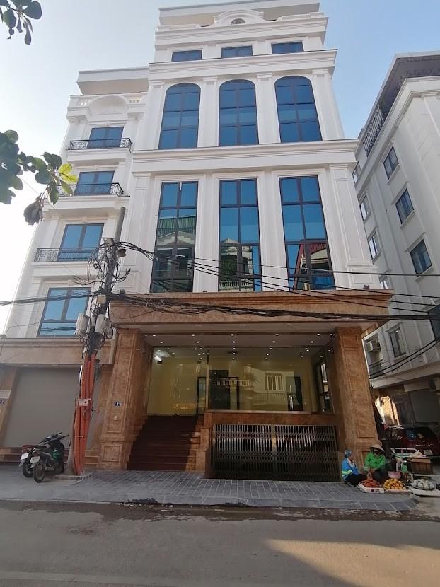 Cho thuê tòa nhà mặt phố Vũ Tông Phan ngay chân cầu Lủ.GIÁ thuê 80 triệu/tháng