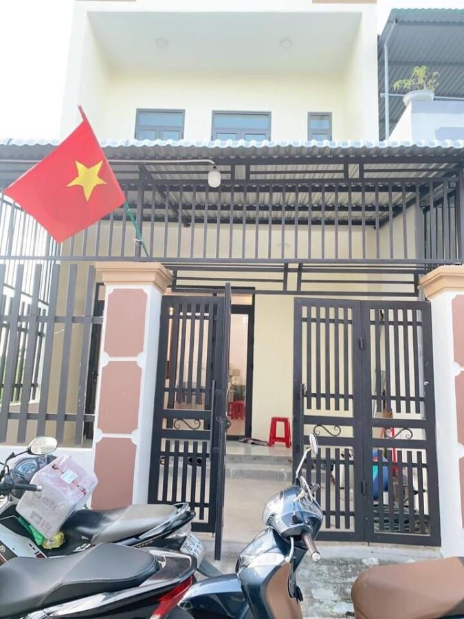 Cần bán nhà 2 mê siêu đẹp khu dân cư Yên Phú