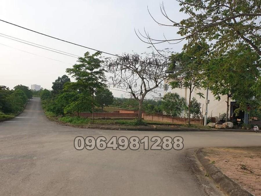 Chính Chủ Gửi Bán Đất Vai Réo – Phú Cát - Sát khu CNC Hòa Lạc.